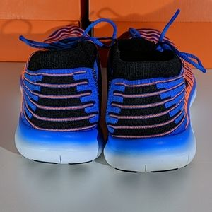 Nike Shoes - Men's Nike Free